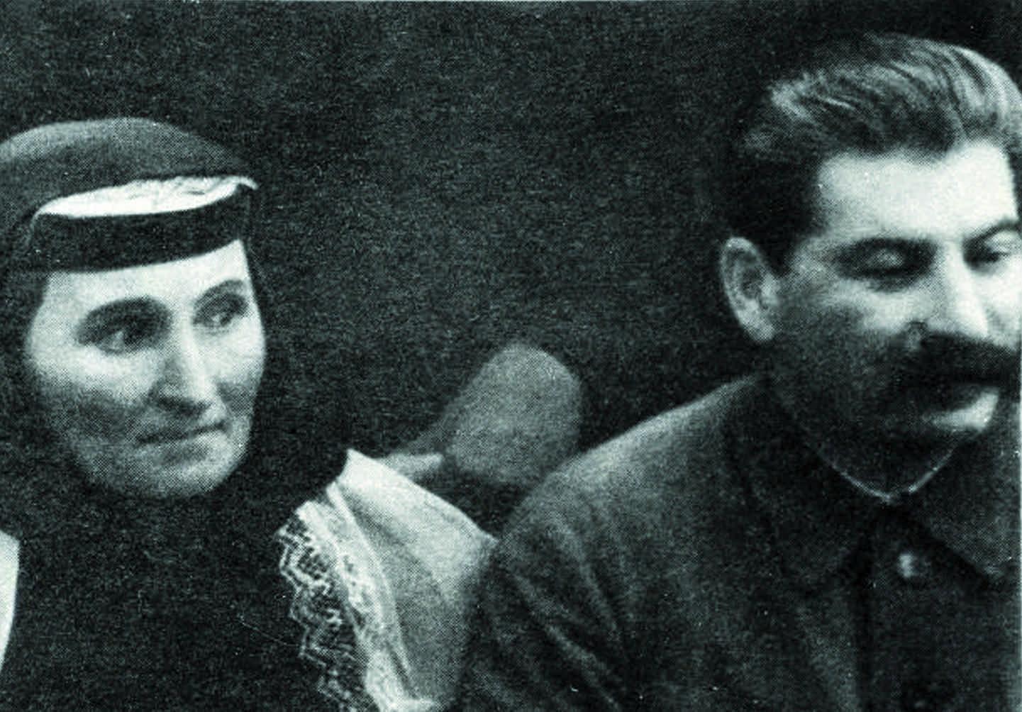 Василий Сталин: биография, личная жизнь, жены, дети 31
