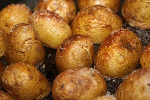 Запеченная картошка мундире рецепт фото